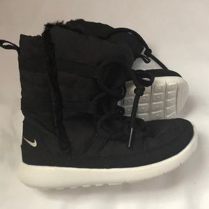 NIKE- Toddler Boys Venture Faux Fur Boots